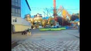 Развлечения в  Лазаревском. Парк культуры и отдыха в декабре 2012(В Лазаревском, на берегу моря Парк культуры и отдыха. Самое высокое в стране колесо обозрения, отдыхают,..., 2012-12-16T16:23:19.000Z)