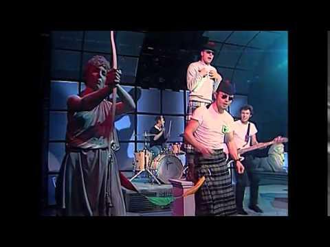 Madness - Shut Up (TopPop) (1981) (HQ)