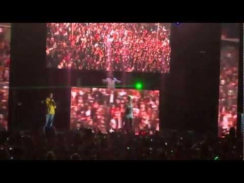 Dash Berlin feat. Emma Hewitt - Waiting  HD  En vivo   Live   SixFlags México  5 Mayo 2012 