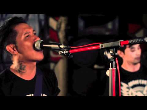 The Bullhead - Tentang Kita Official Video