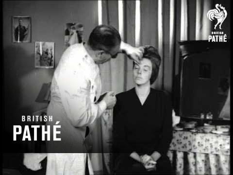Secrets Of Make-Up (1944)