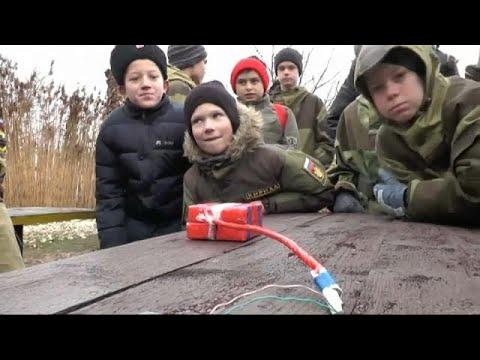 Crimeia: aprender sobre minas e bombas na escola