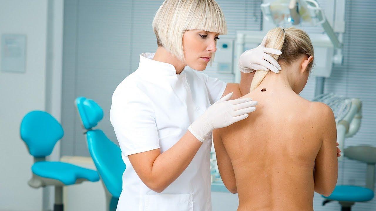 exam skin Female nude dermatologist