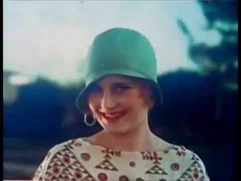 Hollywood Glamour - 1920's Fashion Movie thumbnail