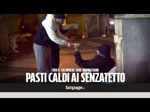 La storia di Ciro, il salumiere che cucina per i senzatetto di Napoli: 'Aiuto chi è più sfortunato'