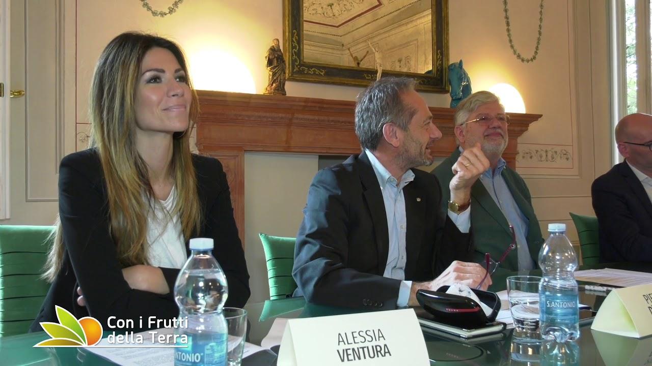 Alessia Ventura Calendario.Clai Presentate Le Iniziative Social Per Il 2019 Con Max Mascia E Alessia Ventura