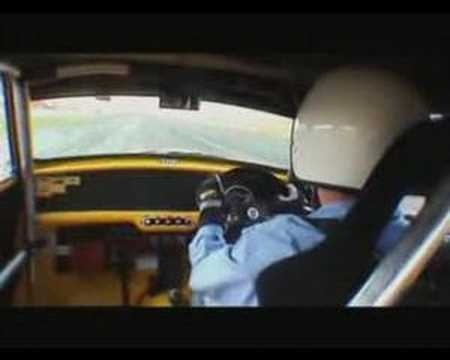 MINI Cooper S John Cooper works vs Classic Mini