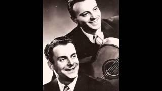 """Patrice et Mario """" couchés dans le foin """"  1954"""