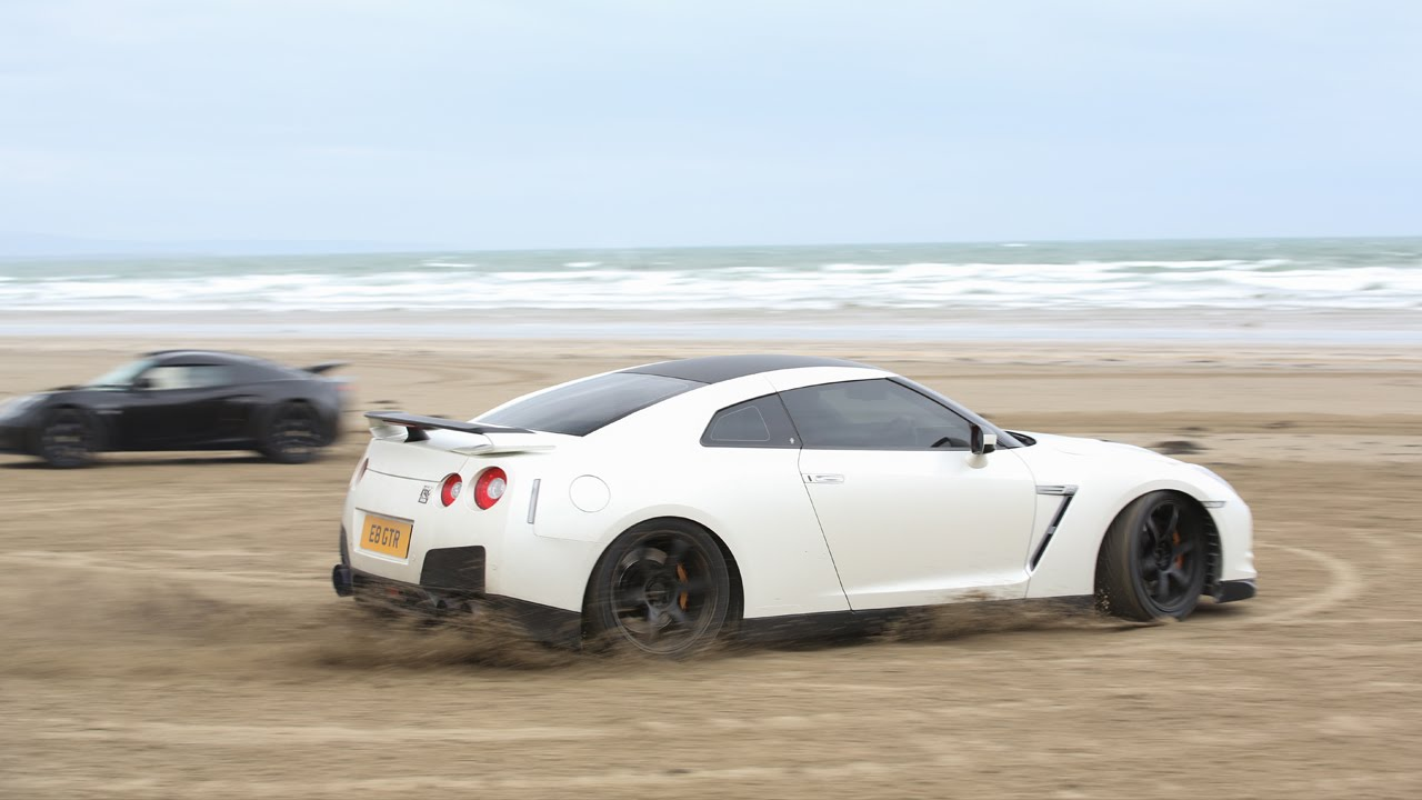 Supercars Drifting On The Beach Bhp Gtr Exige