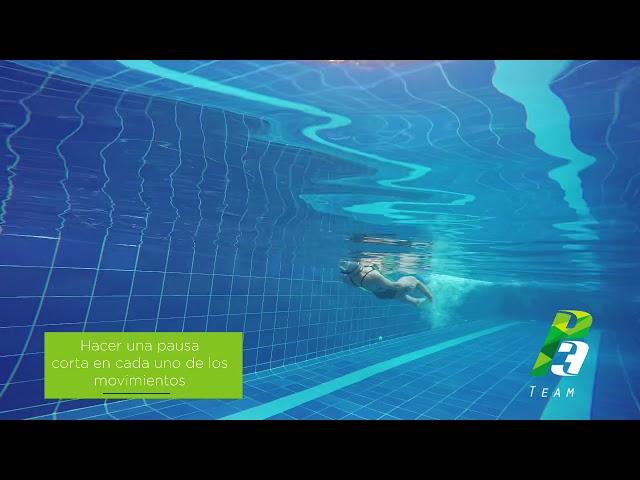Patada libre con rotación en 360º