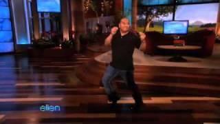 Ellen's Audience Dancer Has Some Fun!