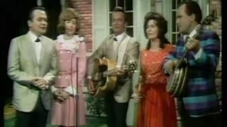 Loretta Lynn & friends - How Beautiful Heaven Must Be