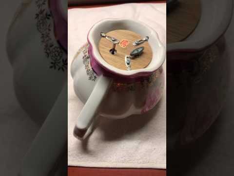 Lefton Musical Teapot (circa 1952-1970)
