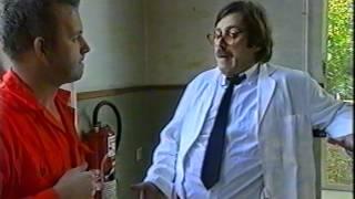 Alcoholvrijbier met Bob Fosko als De Consumerende man VPRO 1992