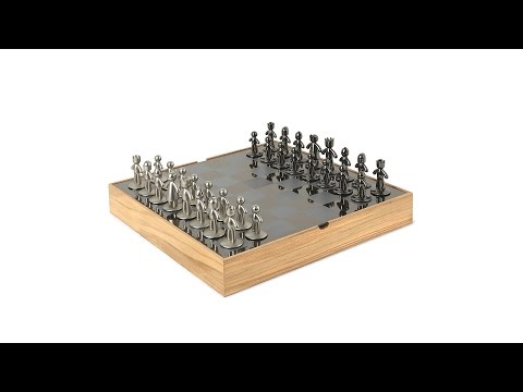 BUDDY Chess Set | UMBRA