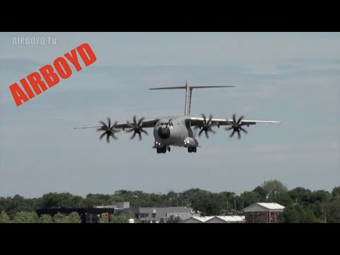 Airbus A400M Atlas Landing Farnborough Airshow (2010)