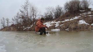 Рыбалка в лужах Закрытие зимнего сезона 2020 2021 на реке Ловля плотвы голавля и густеры