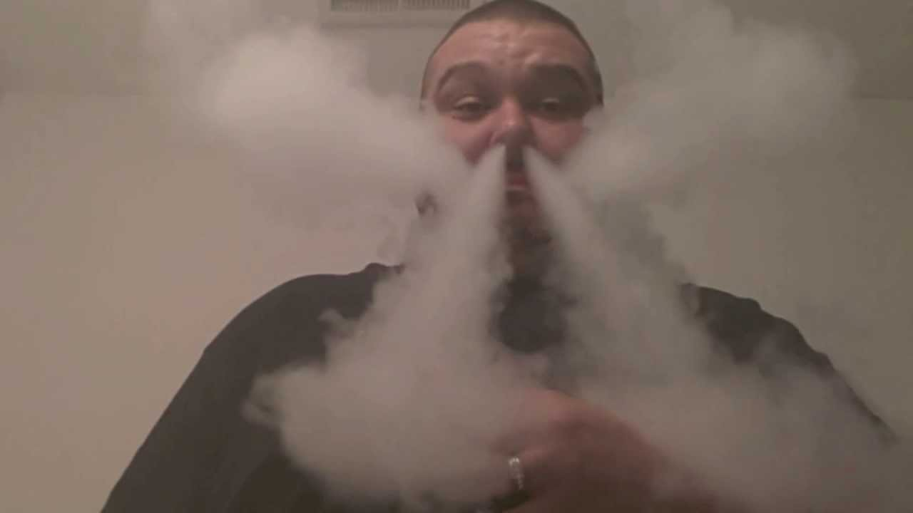 Impress Your Friends with These 7 Cool Vaping Tricks