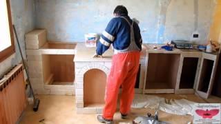 """Realizzazione di una cucina in """"muratura"""""""