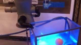 Werking van Trident 325 regenwater filter tijdens de ISH Beurs 2015