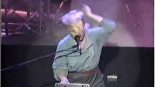 A FLOCK OF SEAGULLS - I RAN LIVE AMAZING SOUND QUALITY