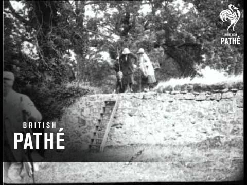 Dianas Of Devon - Otter Hunting (1932)