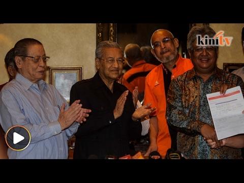 Zaid 'tibai' PAS di hari pertama sebagai ahli DAP