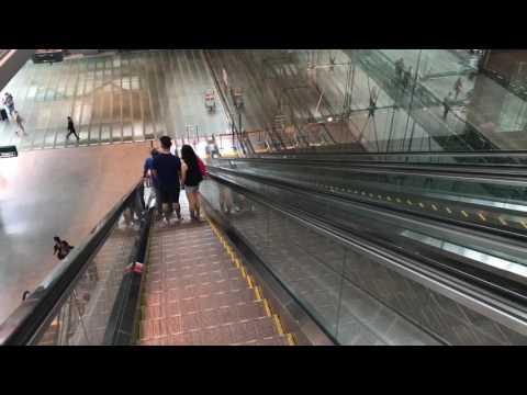 Comforts of Singapore Metro