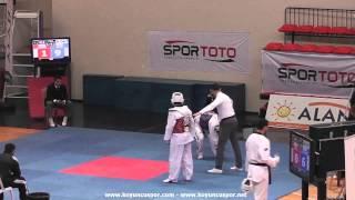 87kg Sabri Cam vs Omer Faruk Ozdemir (2013 Turkish Senyor TKD Championships)