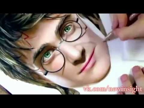 Девушка рисует Гарри Поттера