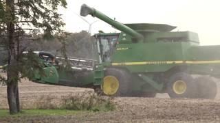 John Deere 9610 Soybean Harvesting in Michigan's Thumb