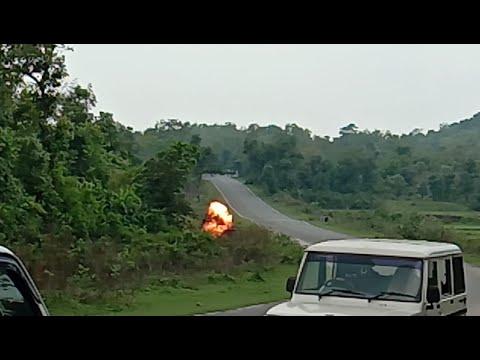 माओवादी साजिश विफल 20 किलो का कैन बम बेकार किया गया