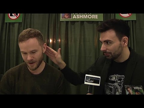 Aaron Ashmore talks Killjoys and lets reporter rub his hair