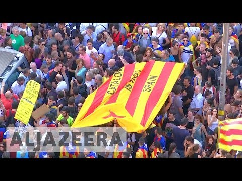 Catalan leaders given five days to decide on secession