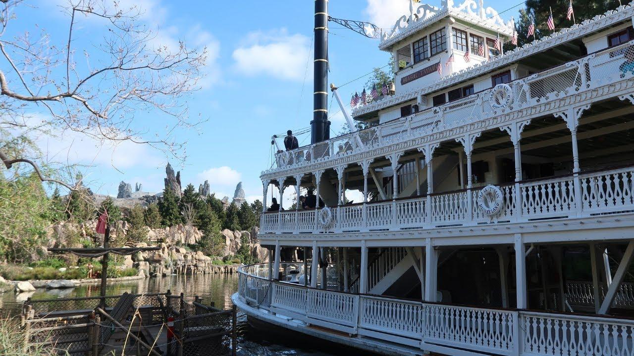 b7b99f3d01 I'm Back In Disneyland | Galaxy's Edge Updates | Dumbo Popcorn ...