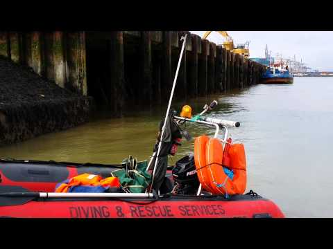 Southampton Work Boat Hire For Inspection Of Jetties And river Walls