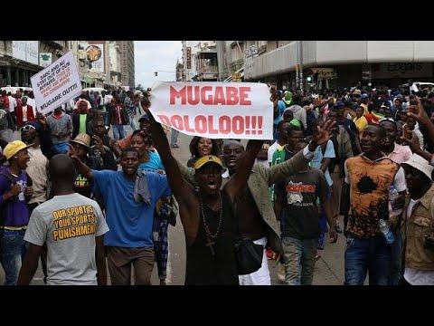 Robert Mugabe procura saída digna
