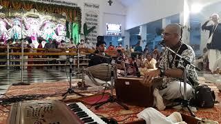 kirtan by Giri Govardhan das on Srila Prabhupada's Vyasa puja...