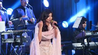 Manwa Laage Shreya Ghoshal Live (Happy New Year)