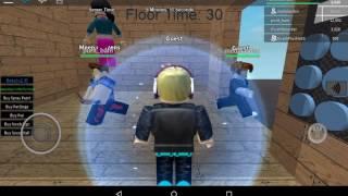 Mi primer video en mi tablet/Playing Roblox con Plushie