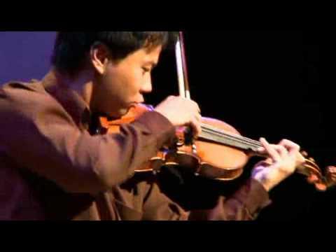 Nikki Chooi, lauréat du Conseil des arts, interprète Caprice de Paganini avec violon Gésu 1729