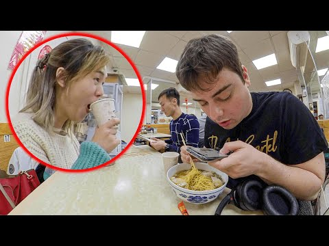 clueless-white-guy-orders-in-perfect-chinese,-shocks-patrons-and-staff