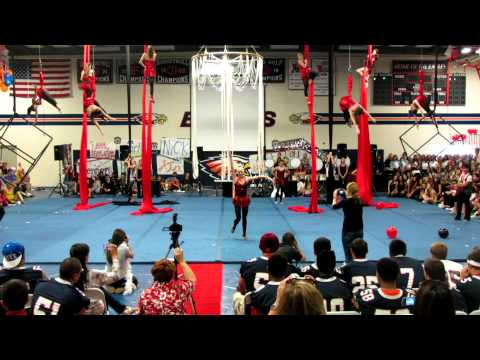 Homecoming Rally 2012: Aerial Team