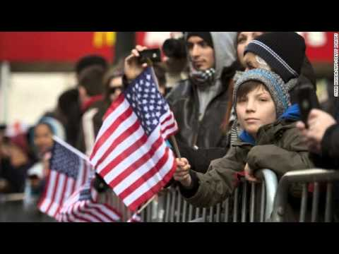 The difference between Veterans Day and Memorial Day - YouTube