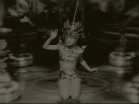 Anna May Wong Seduces Audience With Dance