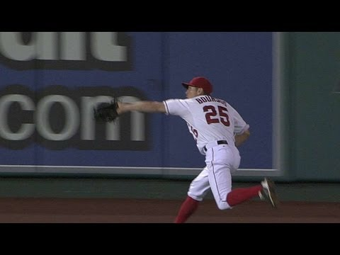 Bourjos shows off speed with catch in center