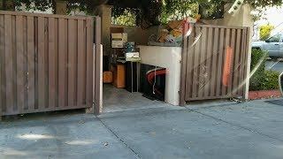 RICH PERSON MOVES OUT AND THEY THREW THIS AWAY EPIC DUMPSTER DIVING!