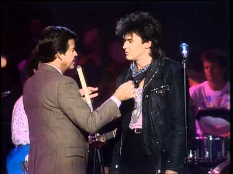 Dick Clark Interviews Paul Young - American Bandstand 1985