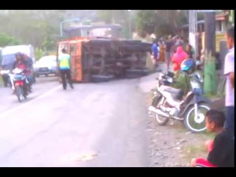 Kecelakaan di Jalan Lingkar Bumiayu, Brebes - YouTube