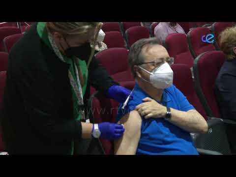 El Presidente de la Ciudad recibe la vacuna contra el COVID-19